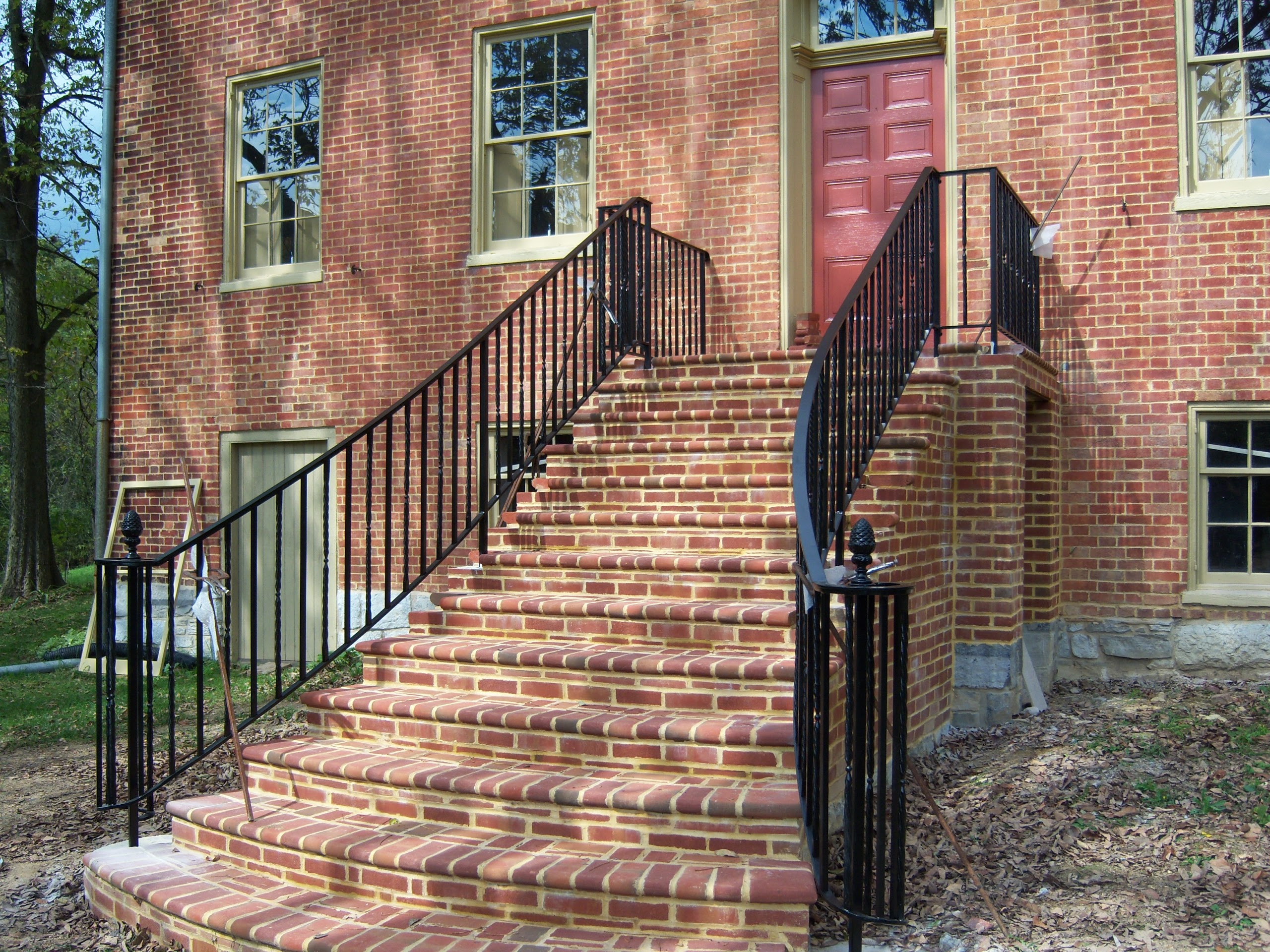 Curved Railings Make All The Difference Antietam Iron Works